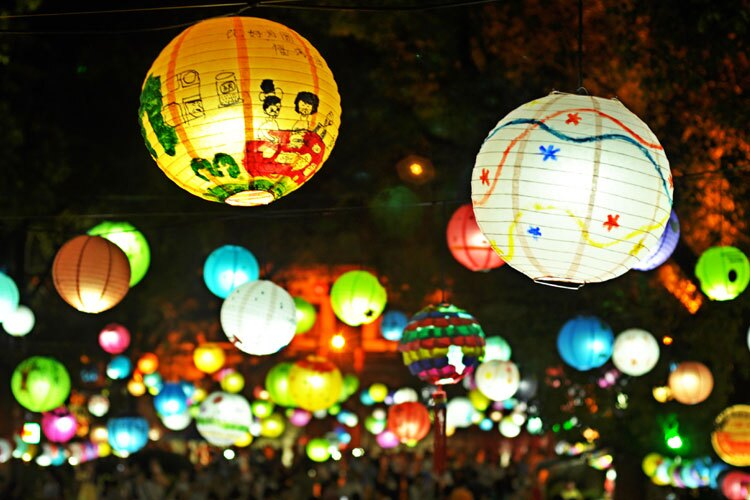 lanterns display on the mid-autumn fastival