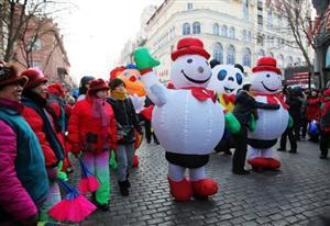 A big parade of cartoon roles