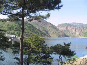 Yansai Lake Scenic Area