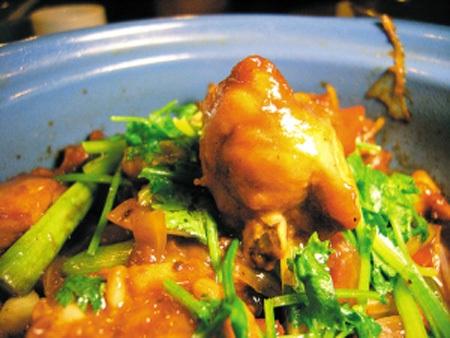 Shaoxing Chicken In A Crock