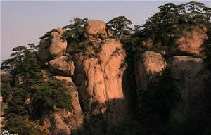 Giant Buddha in Thousand Mountain