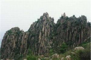 Hongluoshan Mountain Scenic Resort