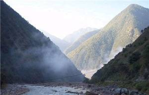 The High Gorge 100 Miles Long Lake Scenic Zone of the Lancang River
