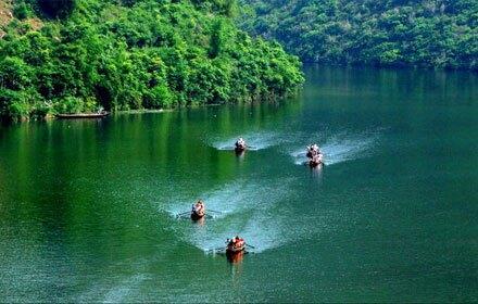 Shennong Stream (神农溪)
