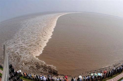 Qiantang River Tide
